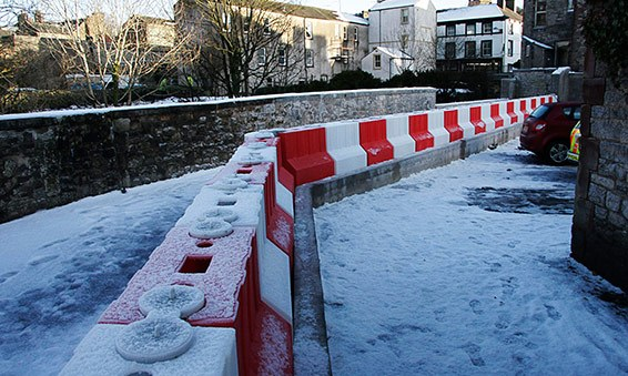 cumbria_ea_floodstop-barrier
